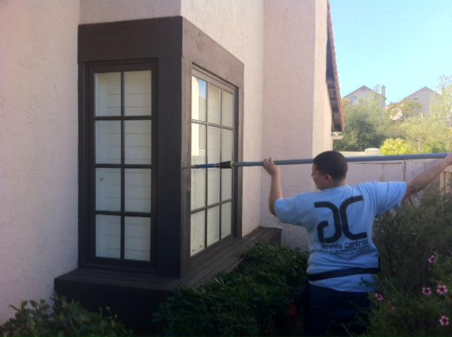 Termite inspection on the outside of a San Diego home